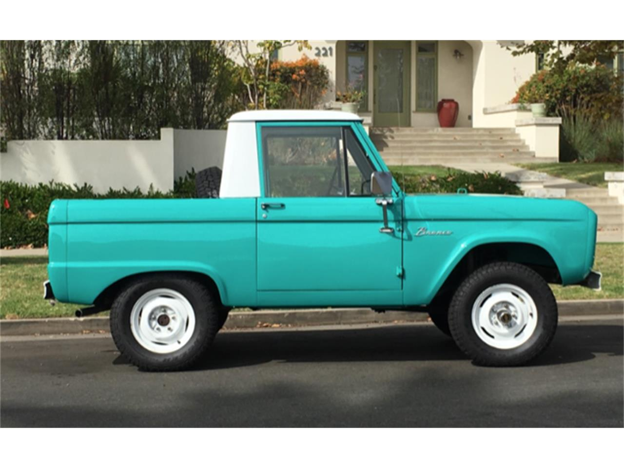 1966 Ford Bronco (CC-1037172) for sale in Santa Monica, California