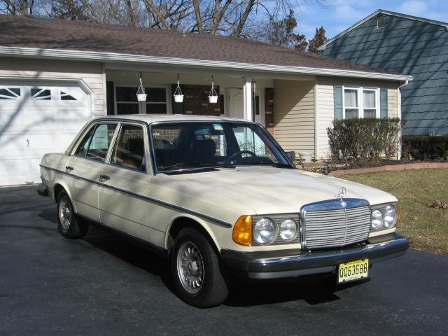 1982 Mercedes-Benz 240D (CC-1083983) for sale in Kendall Park, New Jersey