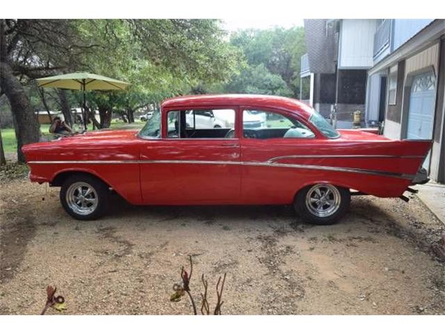Generation Chevrolet Chevy Bel Air Custom Serie 2400C Coupe Rot Indy Pace Car 1