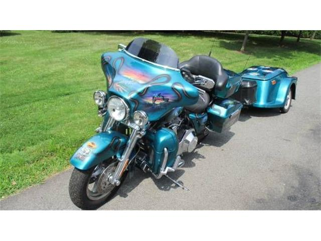 2005 Harley-Davidson Electra Glide (CC-1122106) for sale in Cadillac, Michigan