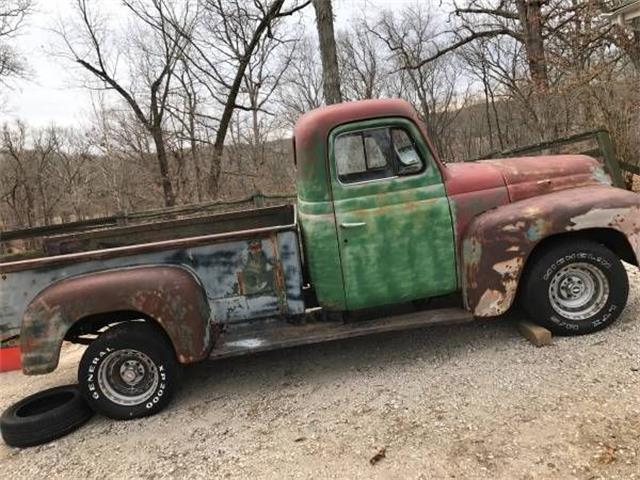 1950 International L120 (CC-1125447) for sale in Cadillac, Michigan