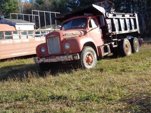 1952 Mack Truck (CC-1130310) for sale in Cadillac, Michigan