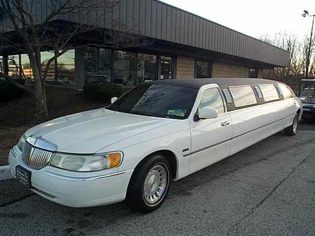 1998 Lincoln Limousine (CC-1135811) for sale in Stratford, New Jersey