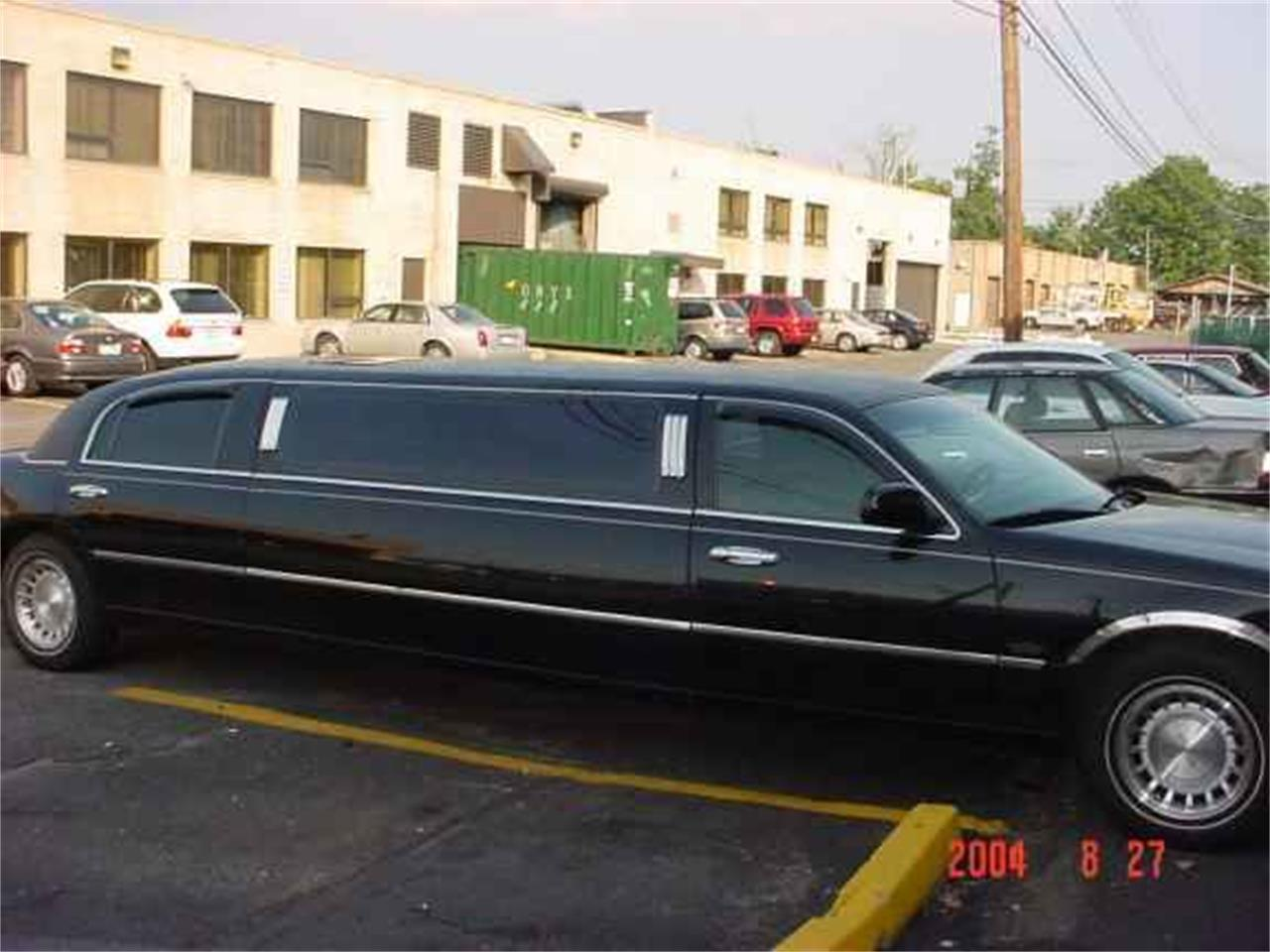 2003 Lincoln Limousine (CC-1135848) for sale in Stratford, New Jersey