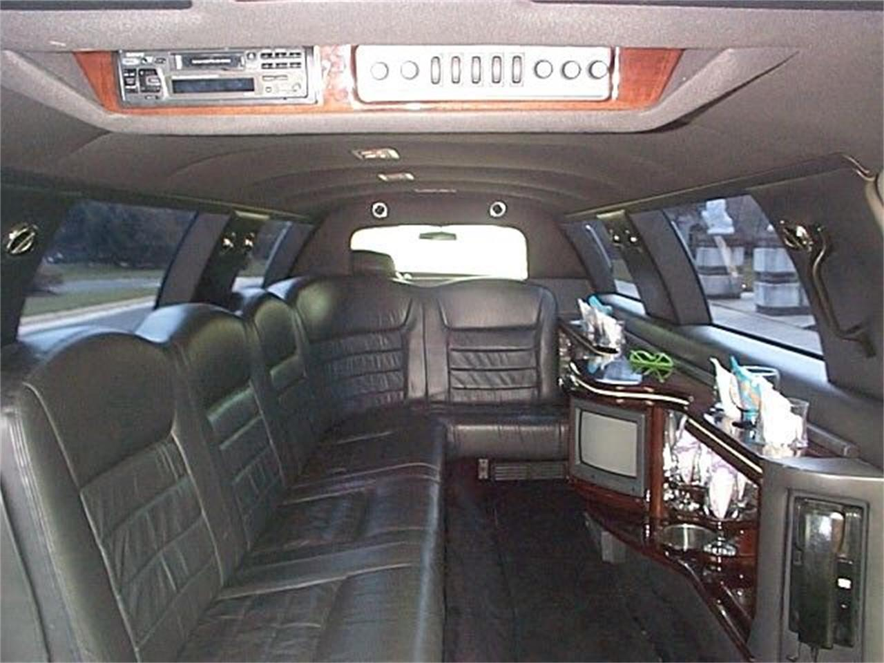 1999 Lincoln Limousine (CC-1136564) for sale in Stratford, New Jersey