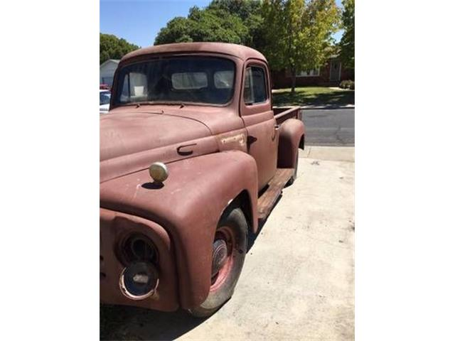 1952 International L110 (CC-1156531) for sale in Cadillac, Michigan