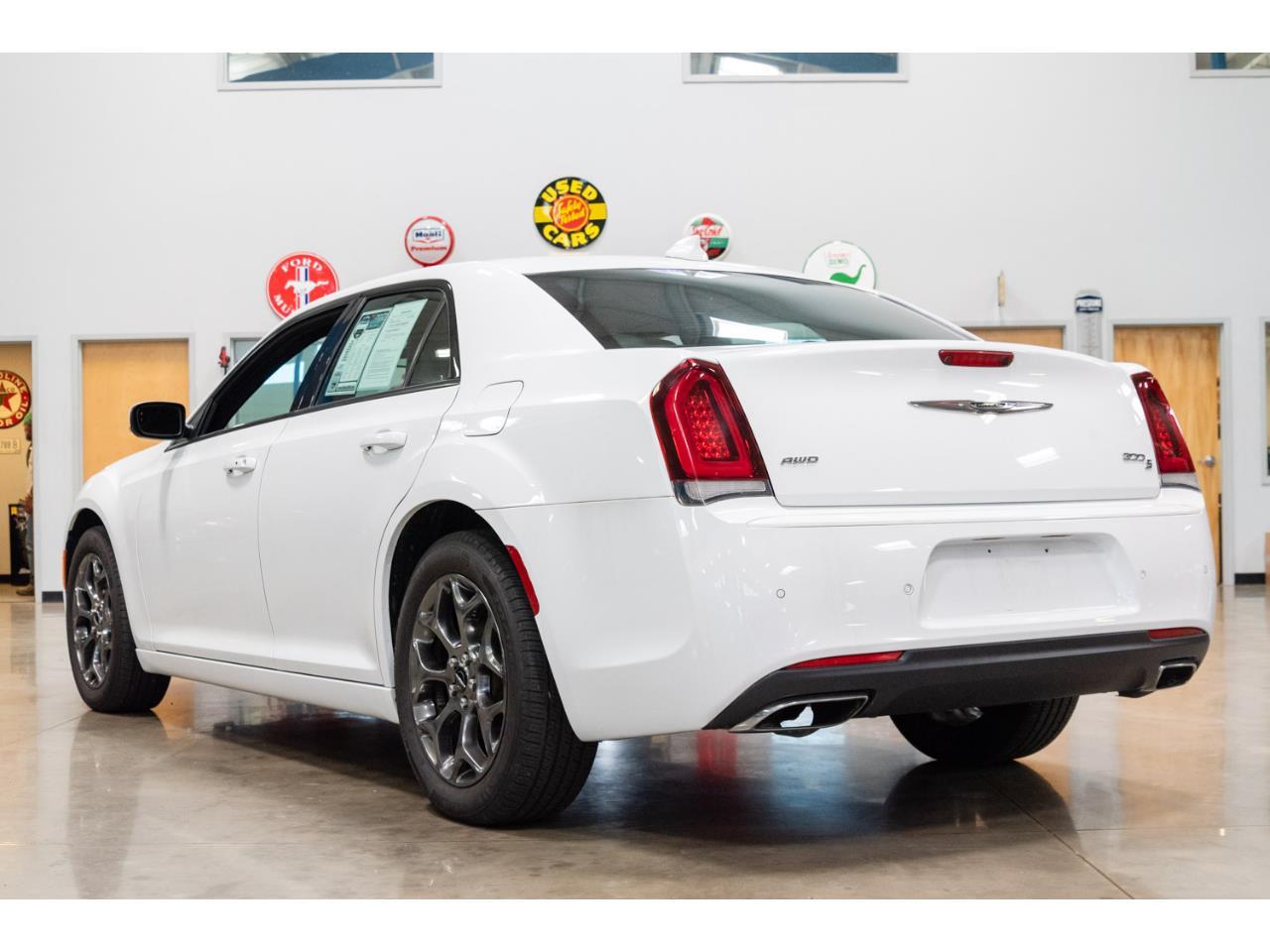 2016 Chrysler 300 (CC-1158428) for sale in Salem, Ohio