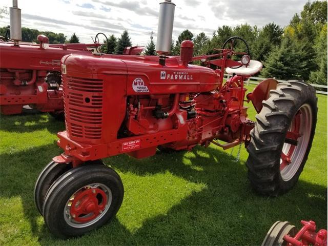 1954 International Tractor (CC-1163072) for sale in Mankato, Minnesota