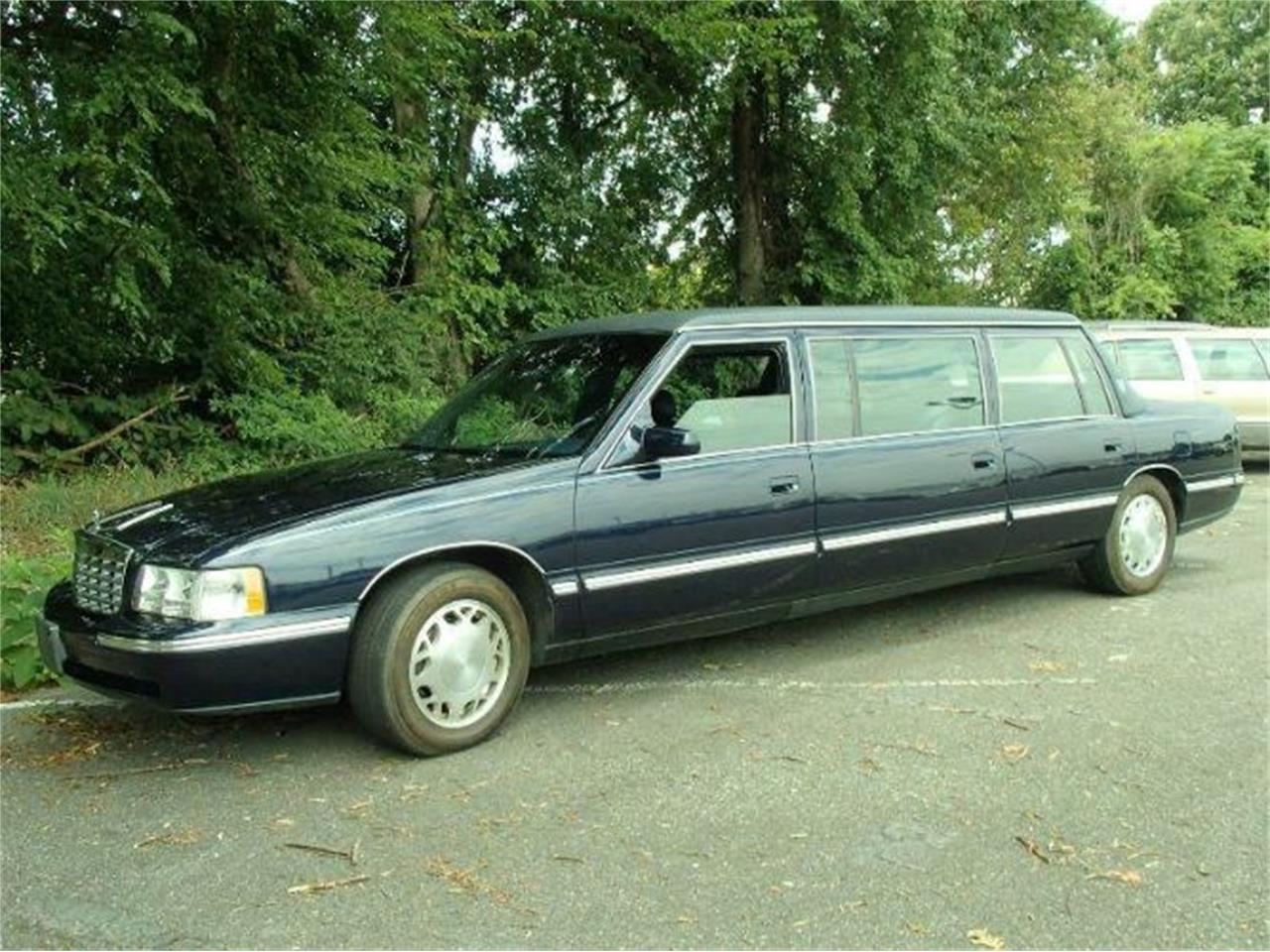 2000 Cadillac DeVille (CC-1166788) for sale in Cadillac, Michigan