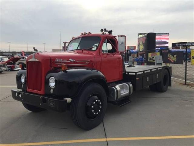 1964 Mack Truck (CC-1160983) for sale in Cadillac, Michigan