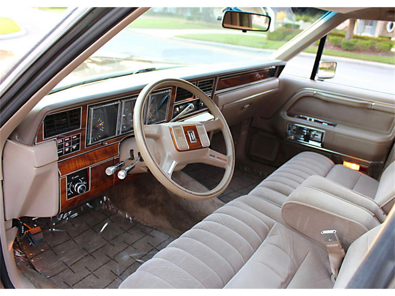 1989 Lincoln Town Car (CC-1203412) for sale in Lakeland, Florida