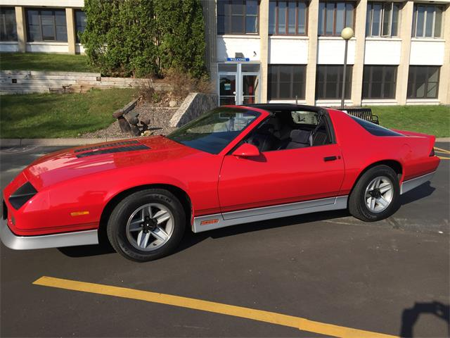 1986 Chevrolet Camaro Z28 (CC-1207420) for sale in Center City, Minnesota