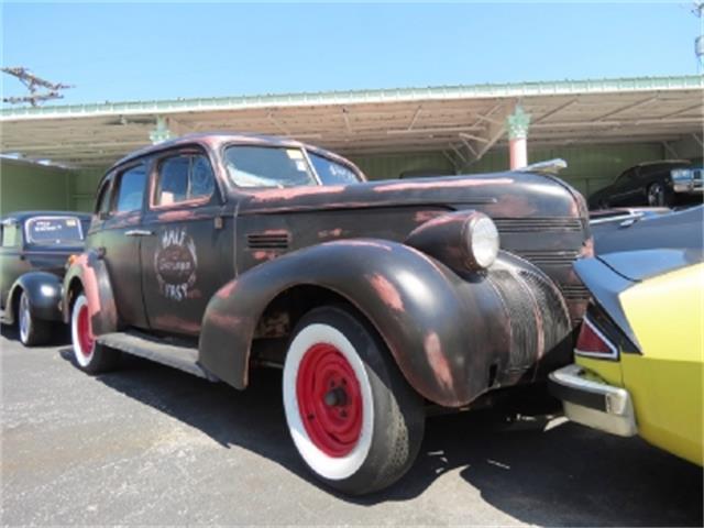 1939 Pontiac Silver Streak
