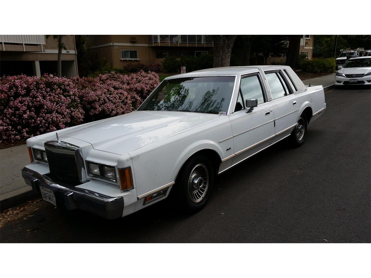 1989 Lincoln Town Car (CC-1208868) for sale in Laguna Woods, California