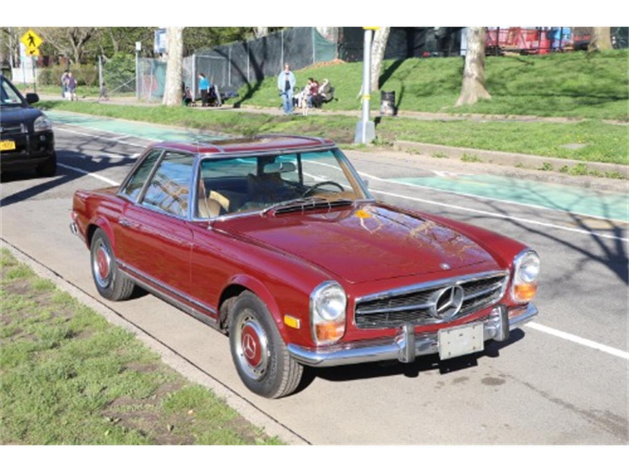 1970 Mercedes-Benz 280SL (CC-1211661) for sale in Astoria, New York