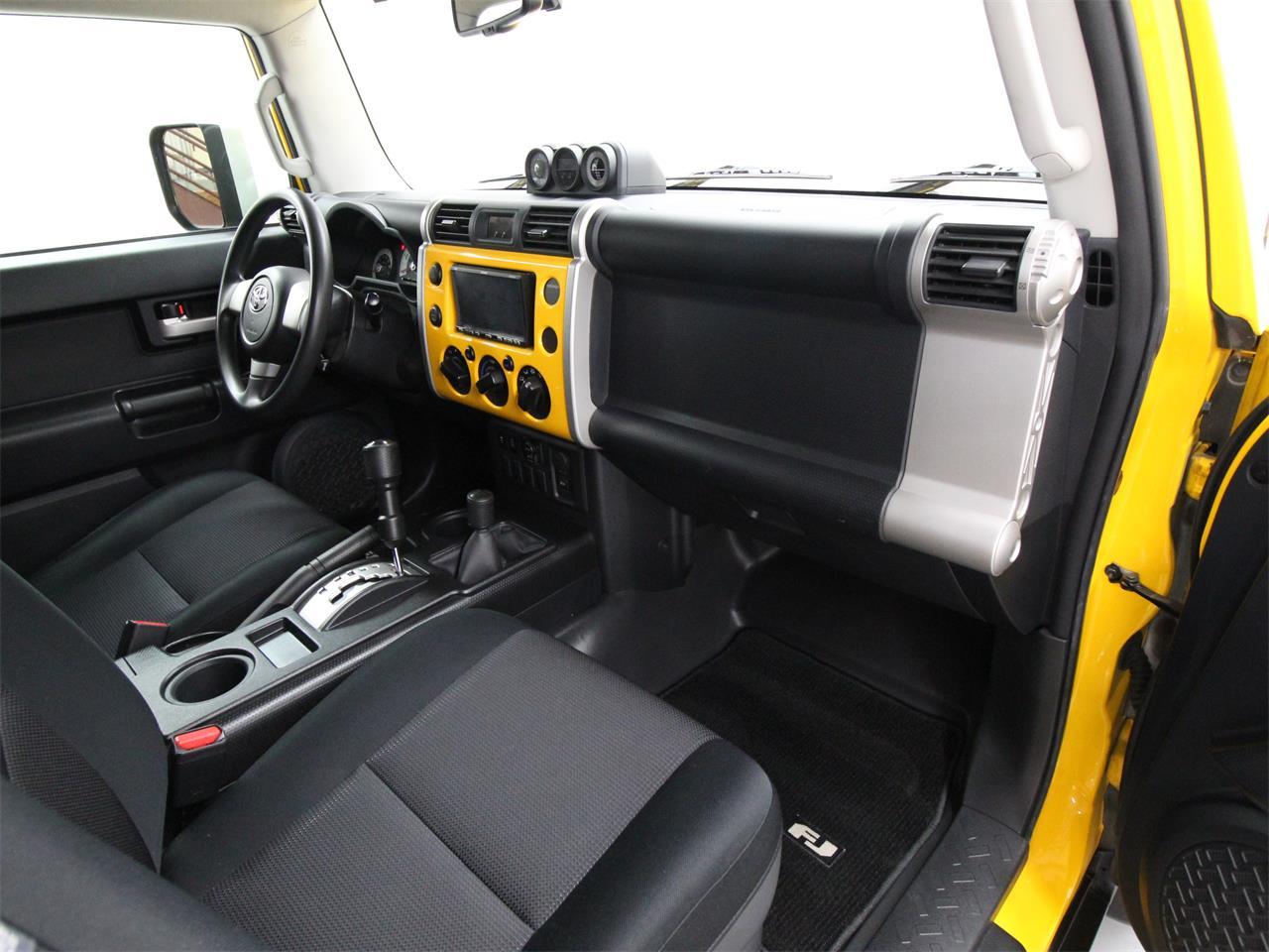 2010 Toyota FJ Cruiser (CC-1221935) for sale in Christiansburg, Virginia