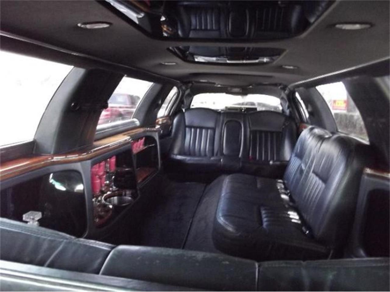 2005 Lincoln Town Car (CC-1224983) for sale in Cadillac, Michigan