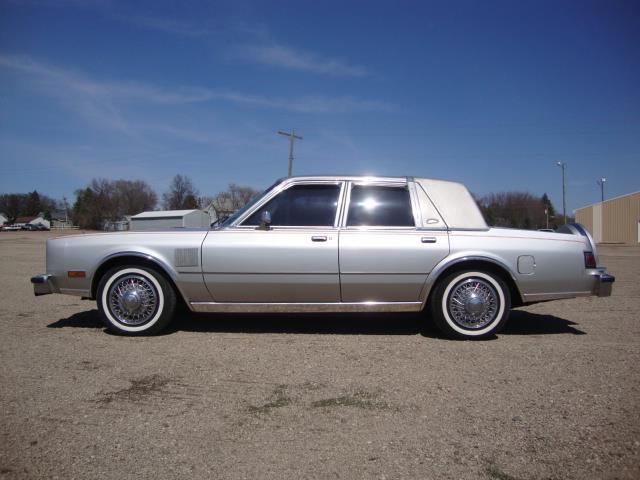 1985 Chrysler Fifth Avenue (CC-1226614) for sale in Milbank, South Dakota