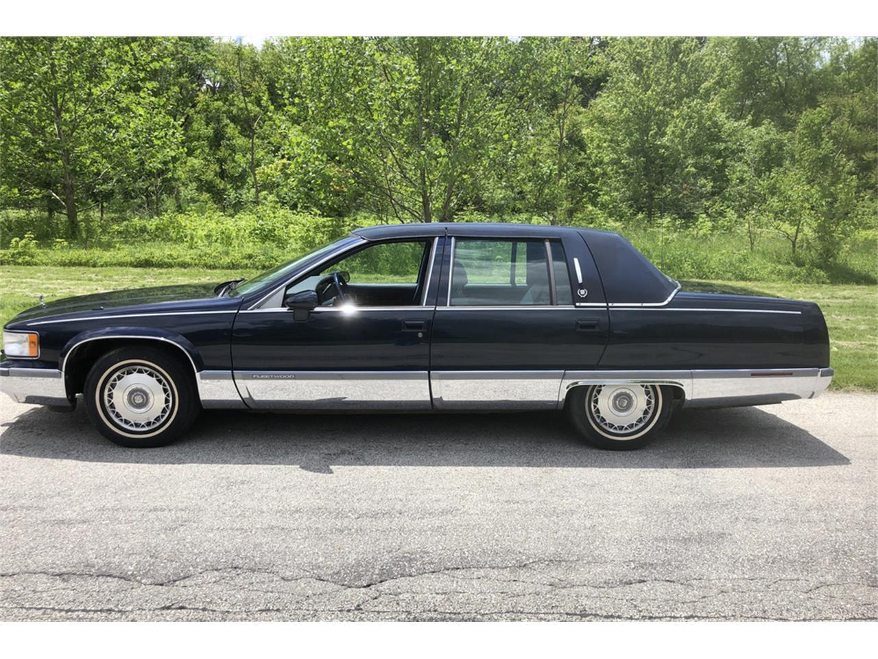 1993 Cadillac Fleetwood Brougham (CC-1229326) for sale in Uncasville, Connecticut