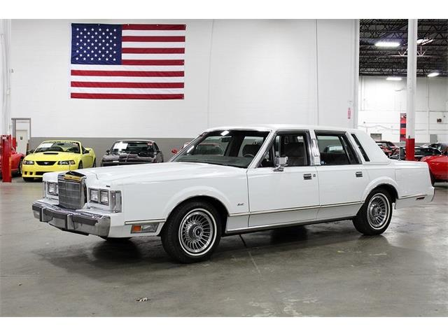 1988 Lincoln Town Car (CC-1232005) for sale in Kentwood, Michigan