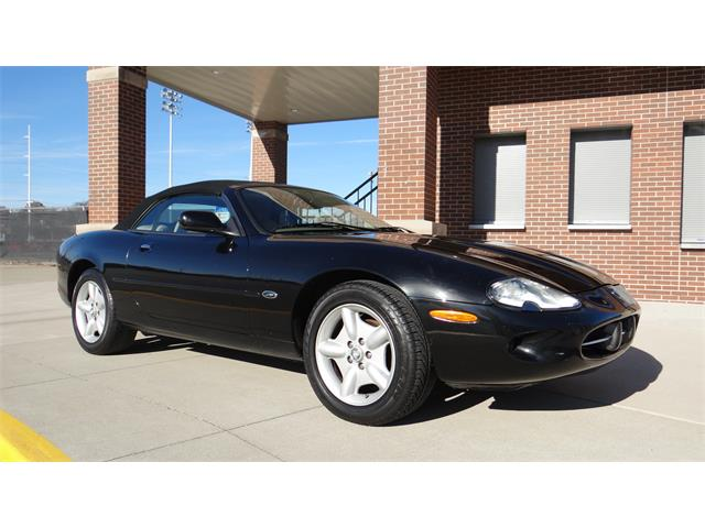 1999 Jaguar XK8 (CC-1252504) for sale in Davenport, Iowa