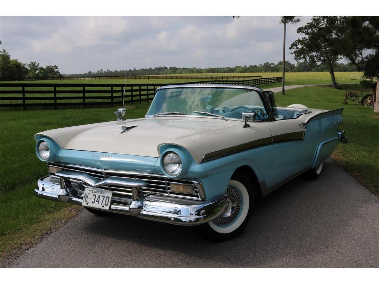 1957 Ford Fairlane 500 (CC-1253061) for sale in Conroe, Texas