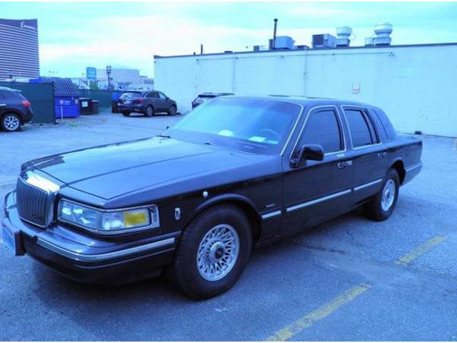 1997 Lincoln Town Car (CC-1259165) for sale in Long Island, New York