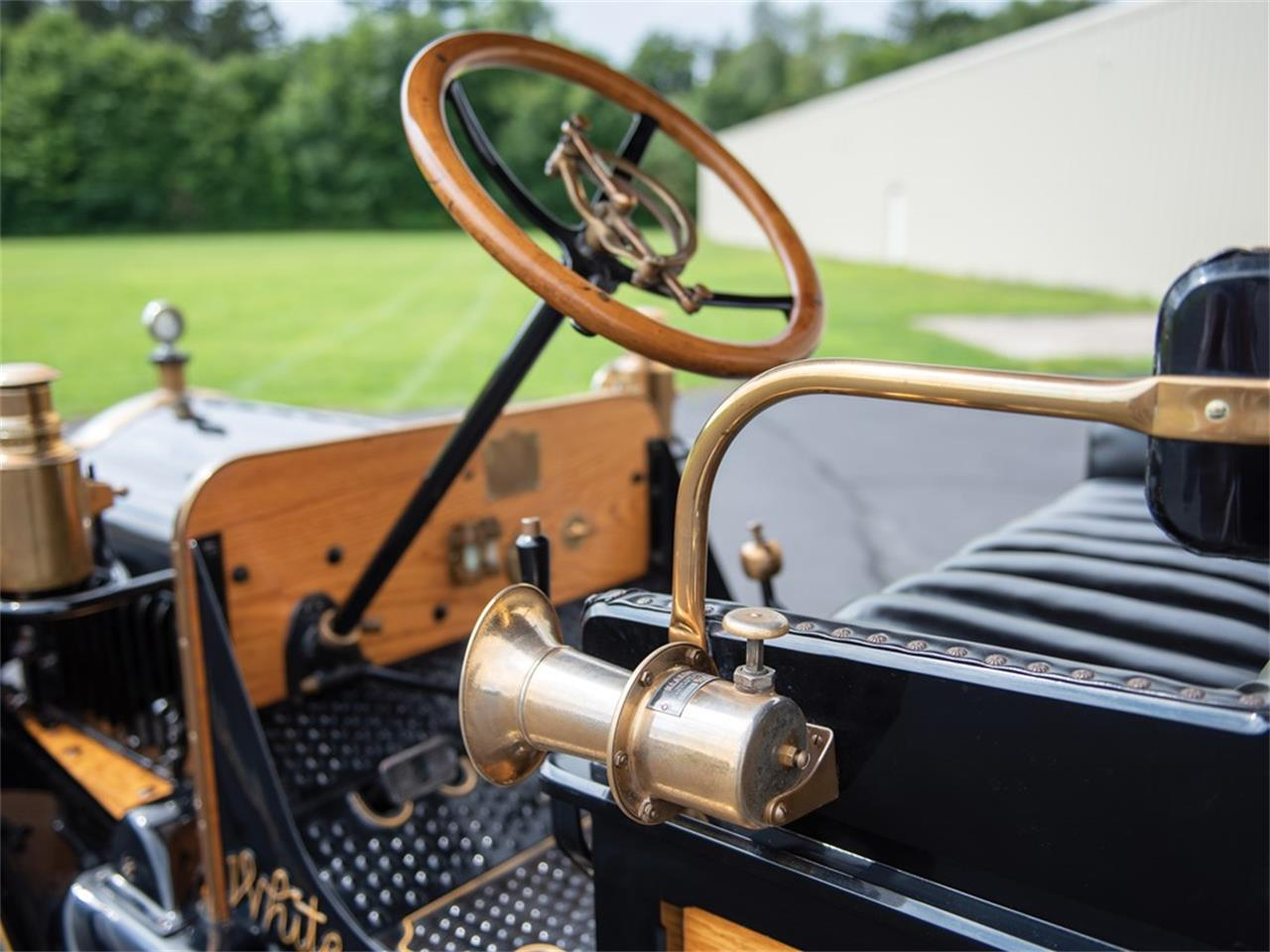 1919 White Bus (CC-1262242) for sale in Hershey, Pennsylvania
