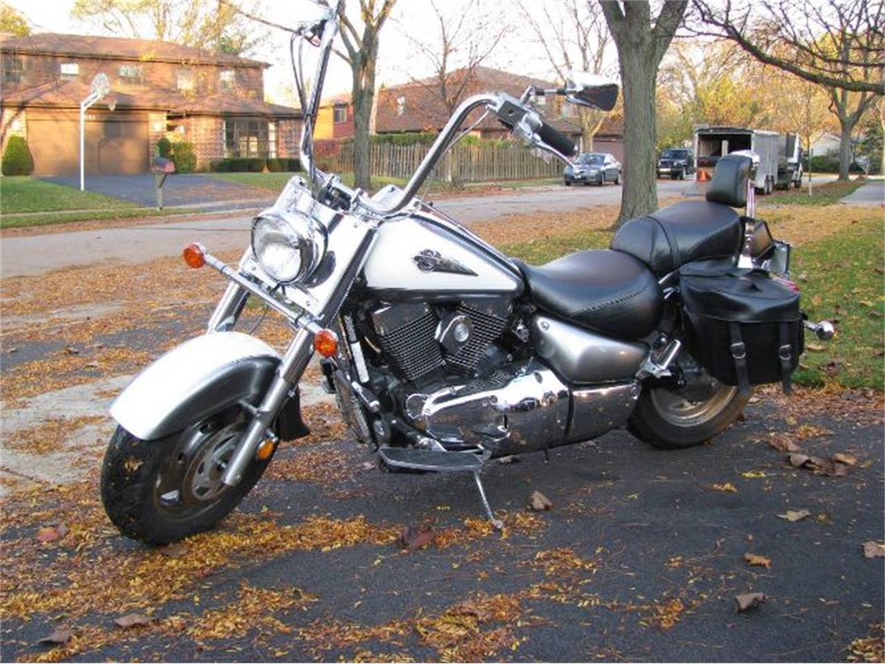 2002 Suzuki Motorcycle (CC-1260443) for sale in Cadillac, Michigan