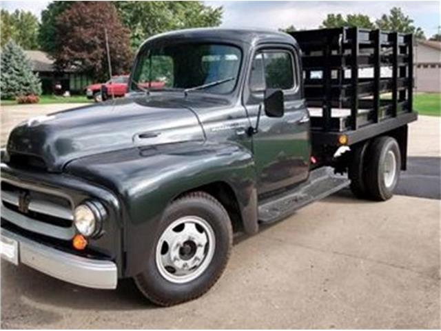 1954 International R130 (CC-1292257) for sale in Belvidere, Illinois