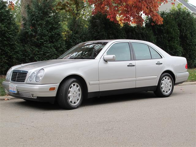 1999 Mercedes-Benz E320 (CC-1293878) for sale in Bloomington, Illinois