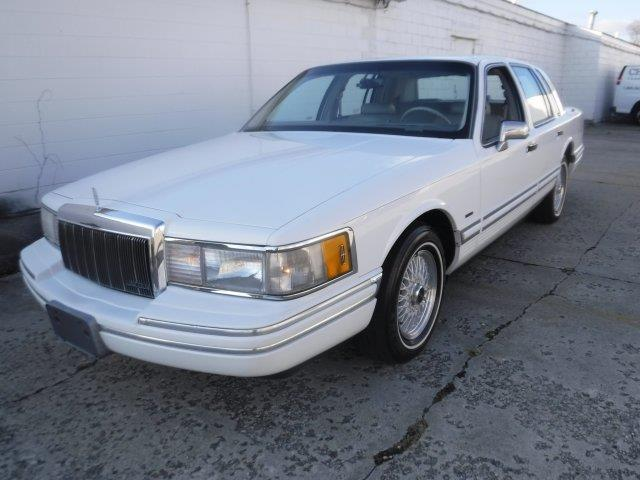 1992 Lincoln Town Car (CC-1295091) for sale in Milford, Ohio