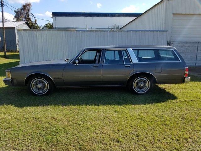 1990 Oldsmobile Custom Cruiser (CC-1297602) for sale in Dallas, Texas