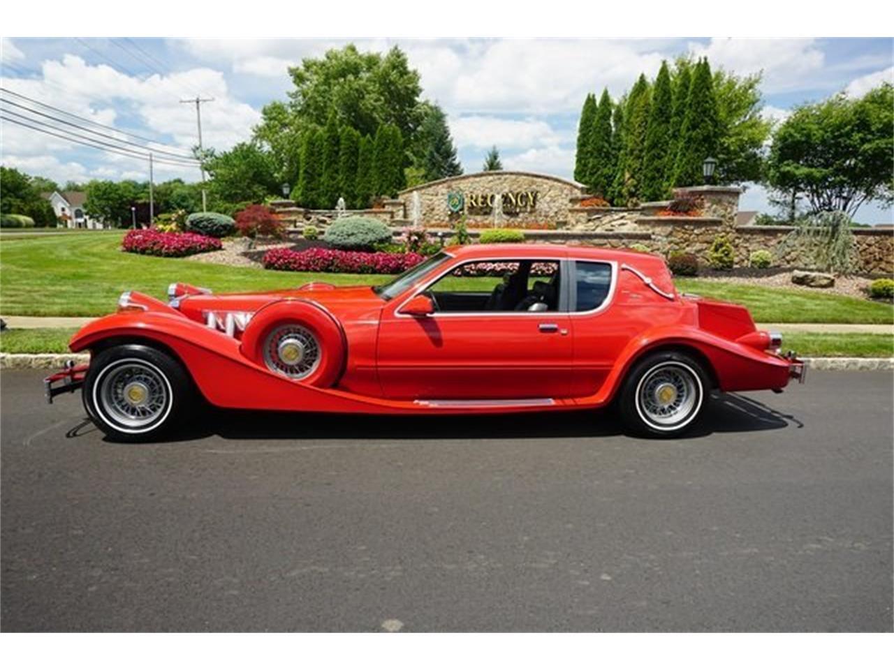 1984 Tiffany D'Elegance Replica (CC-1298359) for sale in Monroe, New Jersey