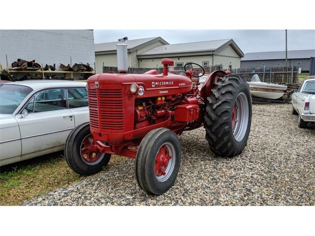 1956 International Tractor (CC-1302574) for sale in Mankato, Minnesota
