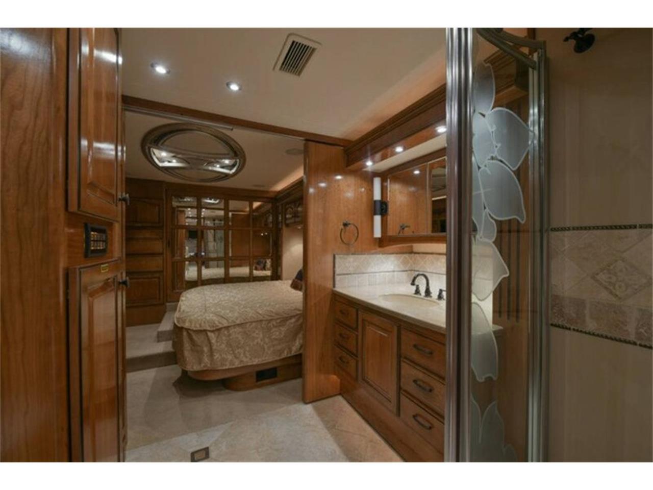 2009 Country Coach Magna (CC-1309995) for sale in Anaheim, California