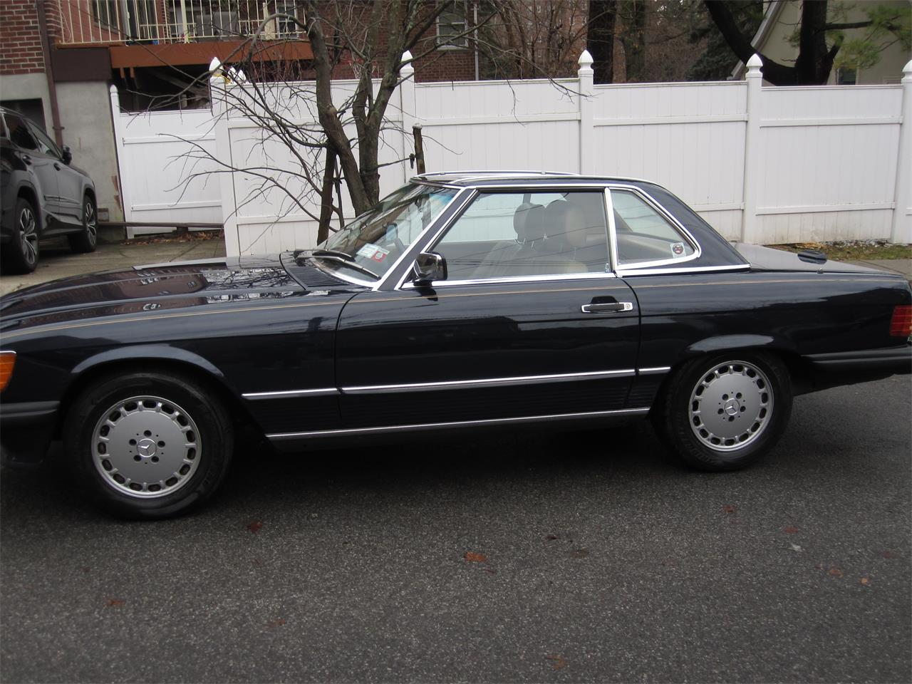 1988 Mercedes-Benz 560SL (CC-1310151) for sale in New York, New York