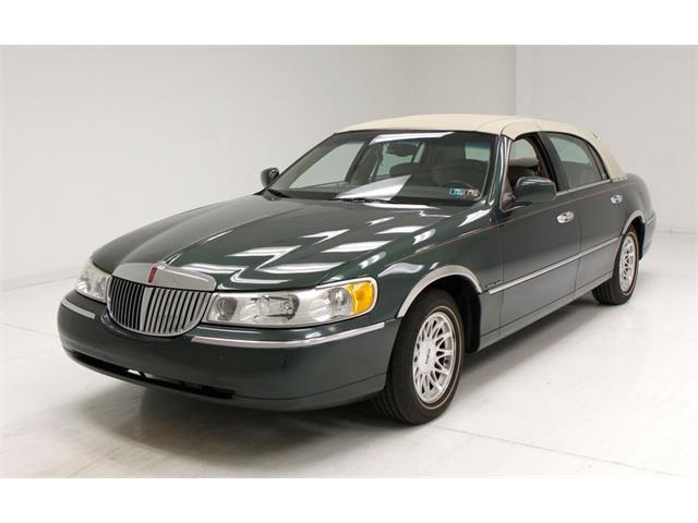 1999 Lincoln Town Car (CC-1313081) for sale in Morgantown, Pennsylvania