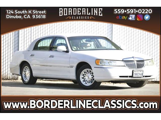 1999 Lincoln Town Car (CC-1318525) for sale in Dinuba, California