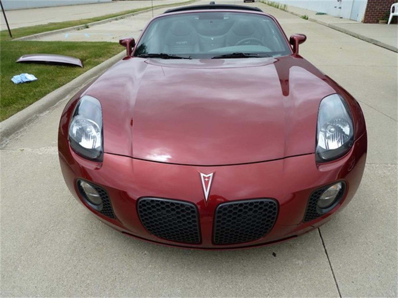 2010 Pontiac Solstice (CC-1319511) for sale in Macomb, Michigan