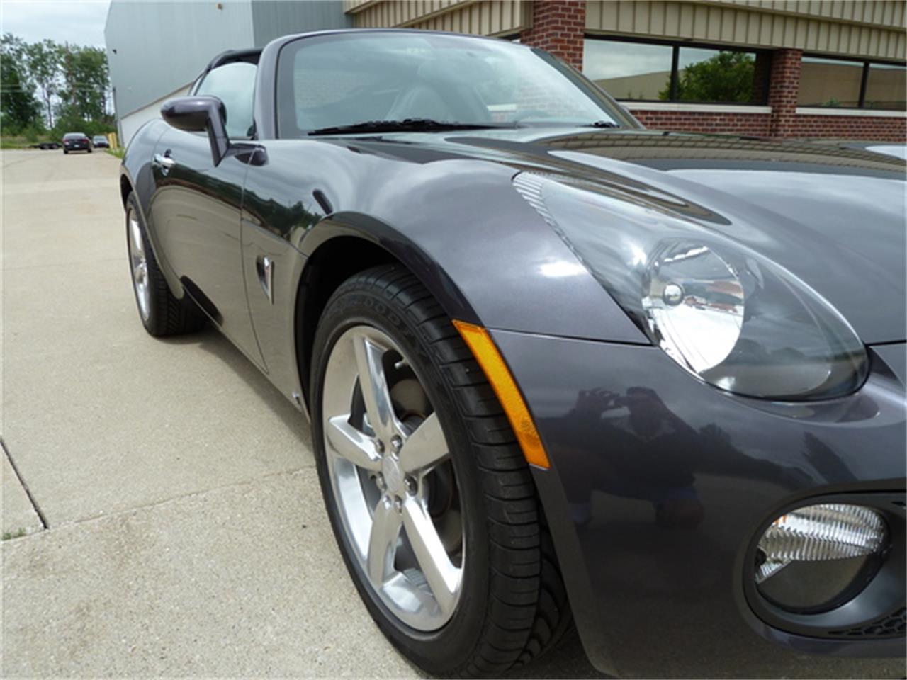 2010 Pontiac Solstice (CC-1319516) for sale in Macomb, Michigan