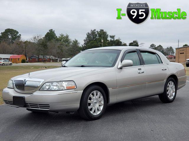 2007 Lincoln Town Car (CC-1328250) for sale in Hope Mills, North Carolina