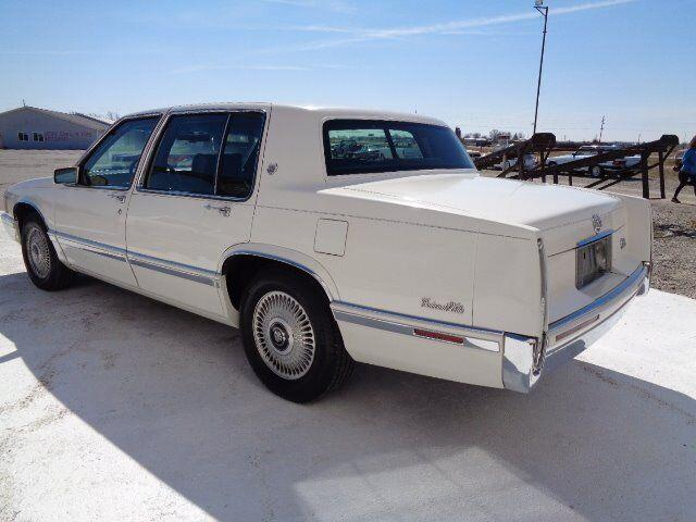 1992 Cadillac DeVille (CC-1332763) for sale in Staunton, Illinois