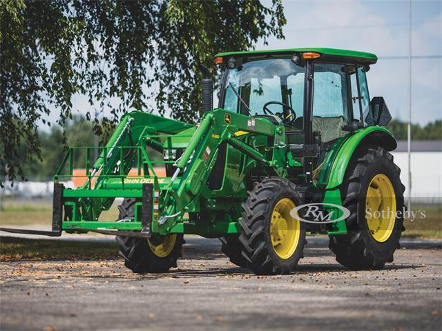 2016 John Deere Tractor (CC-1338481) for sale in Elkhart, Indiana