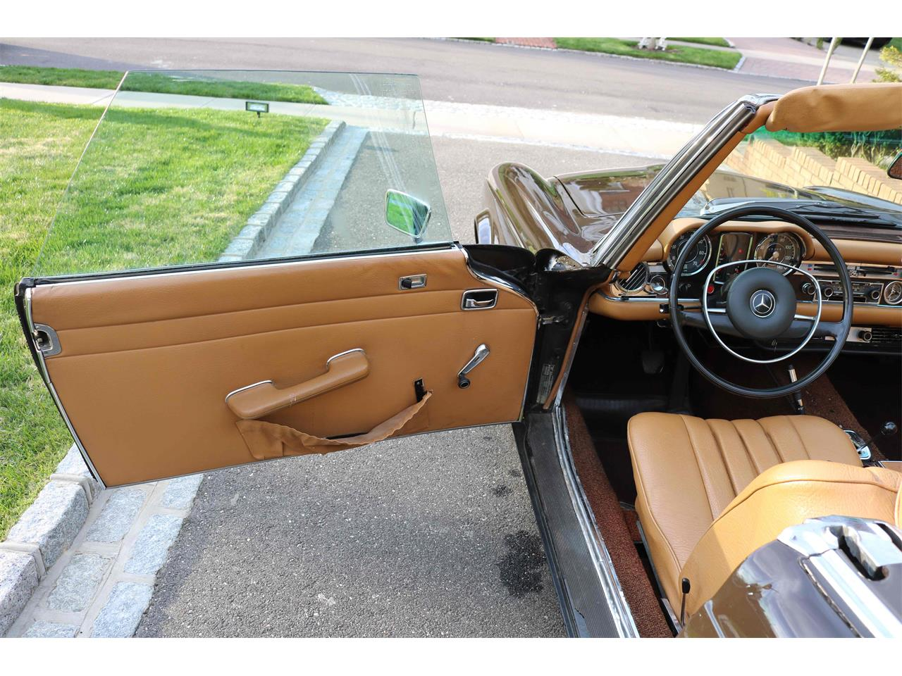 1969 Mercedes-Benz 280SL (CC-1339718) for sale in Queens, New York