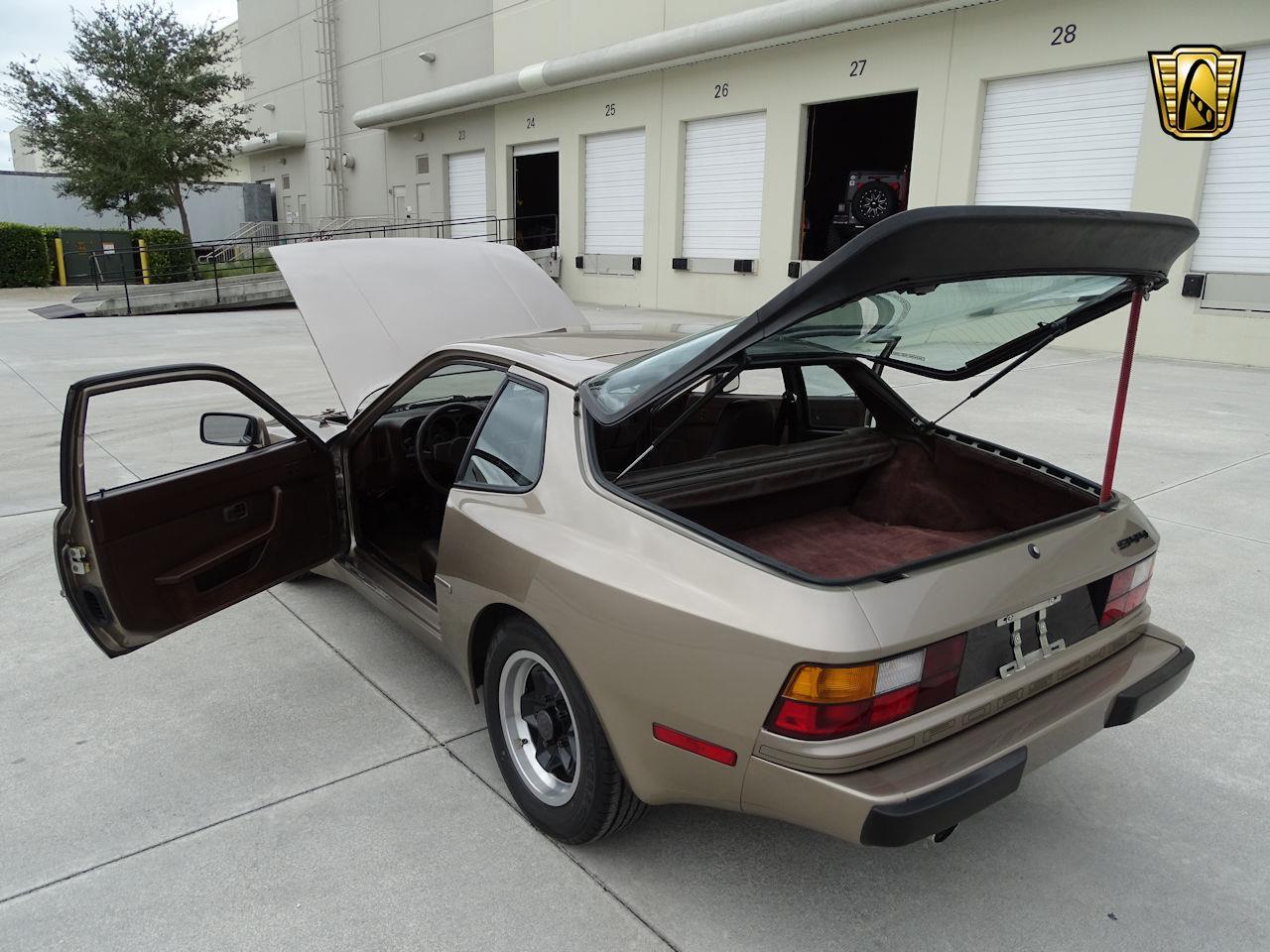 1984 Porsche 944 (CC-1341351) for sale in O'Fallon, Illinois