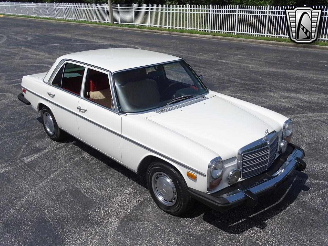 1976 Mercedes-Benz 300D (CC-1342381) for sale in O'Fallon, Illinois