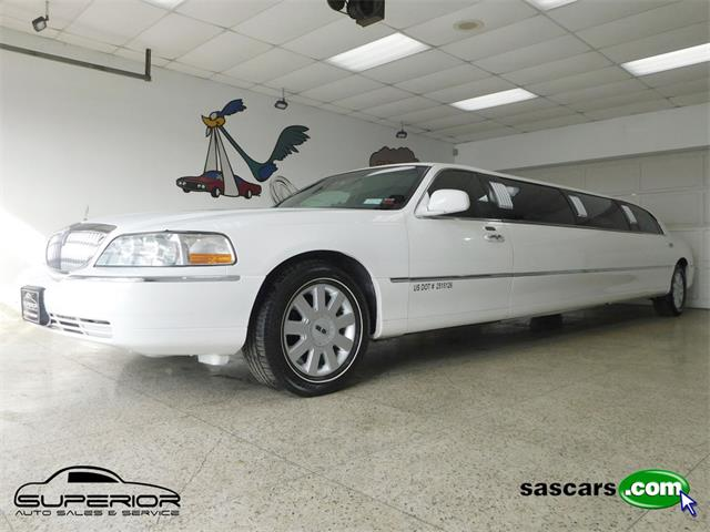 2006 Lincoln Town Car (CC-1344863) for sale in Hamburg, New York