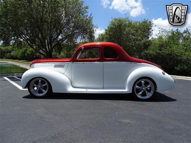 1939 Ford 5-Window Coupe