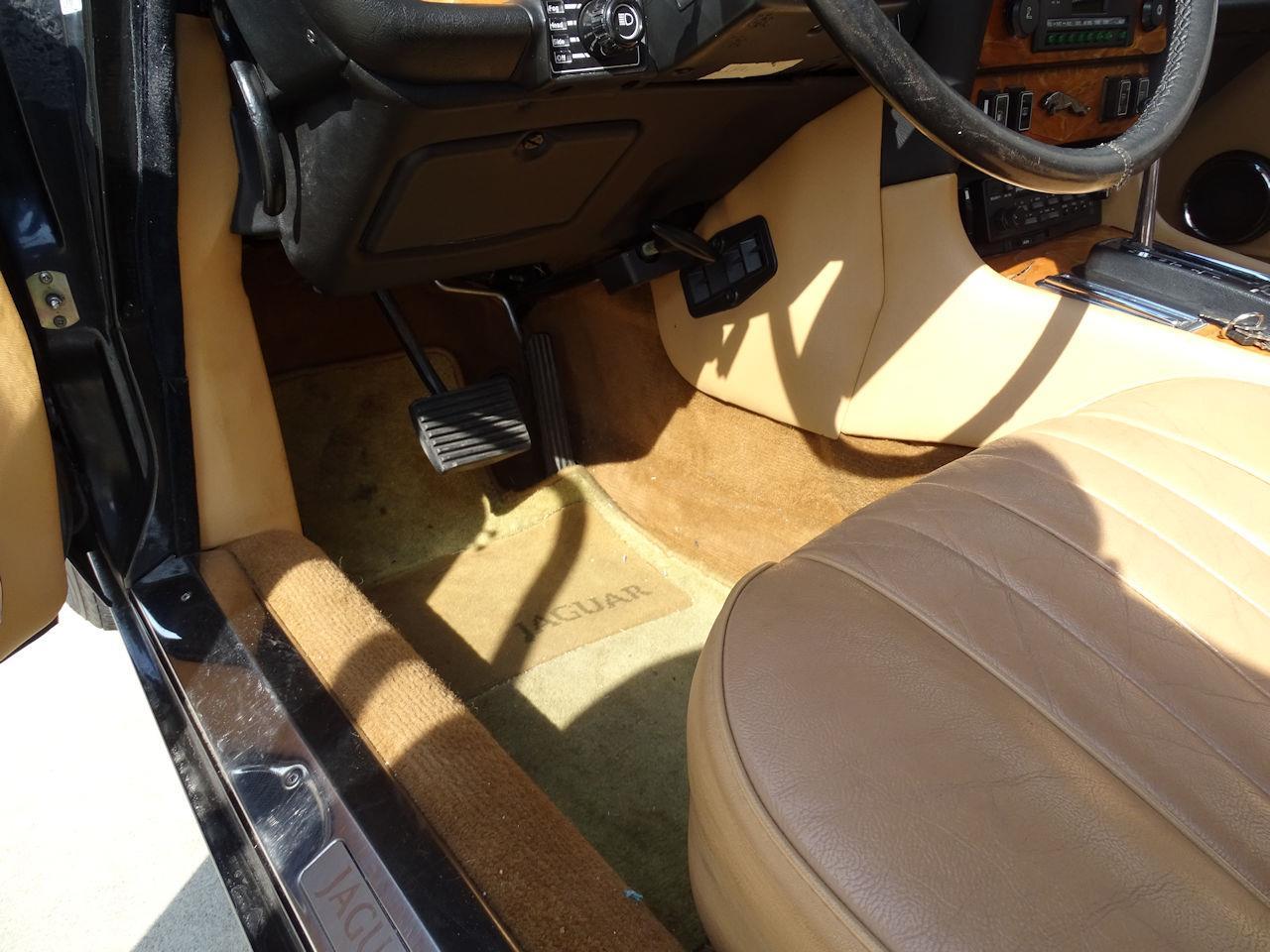 1987 Jaguar XJ6 (CC-1340780) for sale in O'Fallon, Illinois